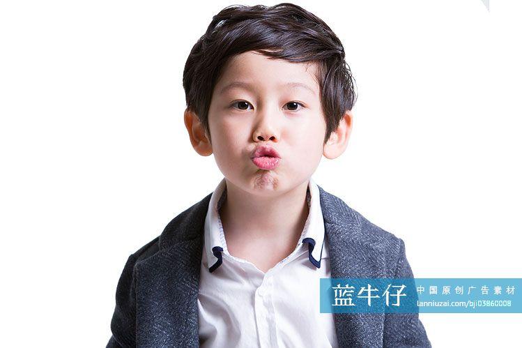 可爱小男孩嘟嘴-原创广告素材图片-蓝牛仔